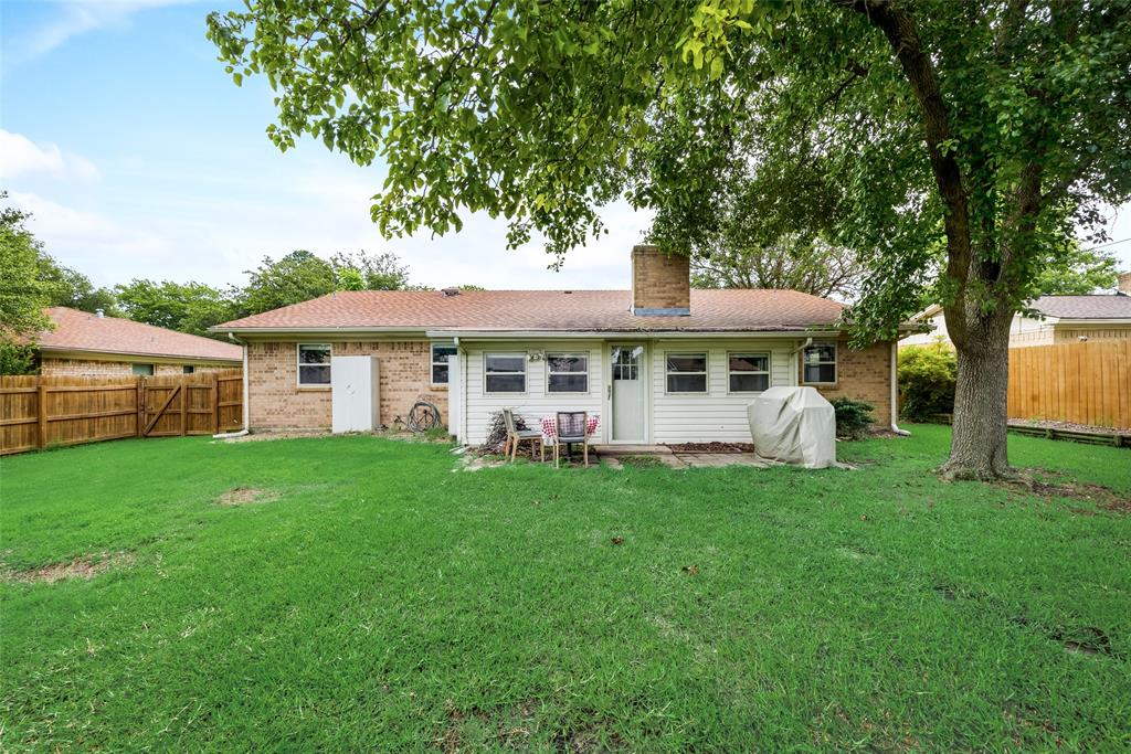 2133 Mountainview  Drive, Hurst, Texas 76054 - acquisto real estate best photo company frisco 3d listings