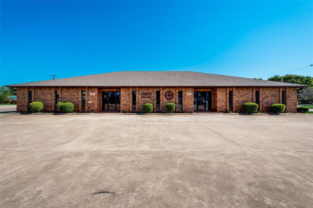 7451 Chapel  Avenue, Fort Worth, Texas 76116 - Acquisto Real Estate best plano realtor mike Shepherd home owners association expert