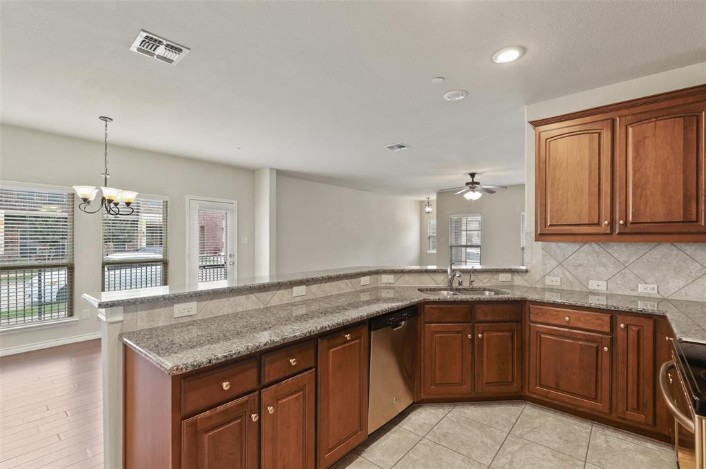 4293 Kiowa  Drive, Carrollton, Texas 75010 - acquisto real estate best real estate company to work for