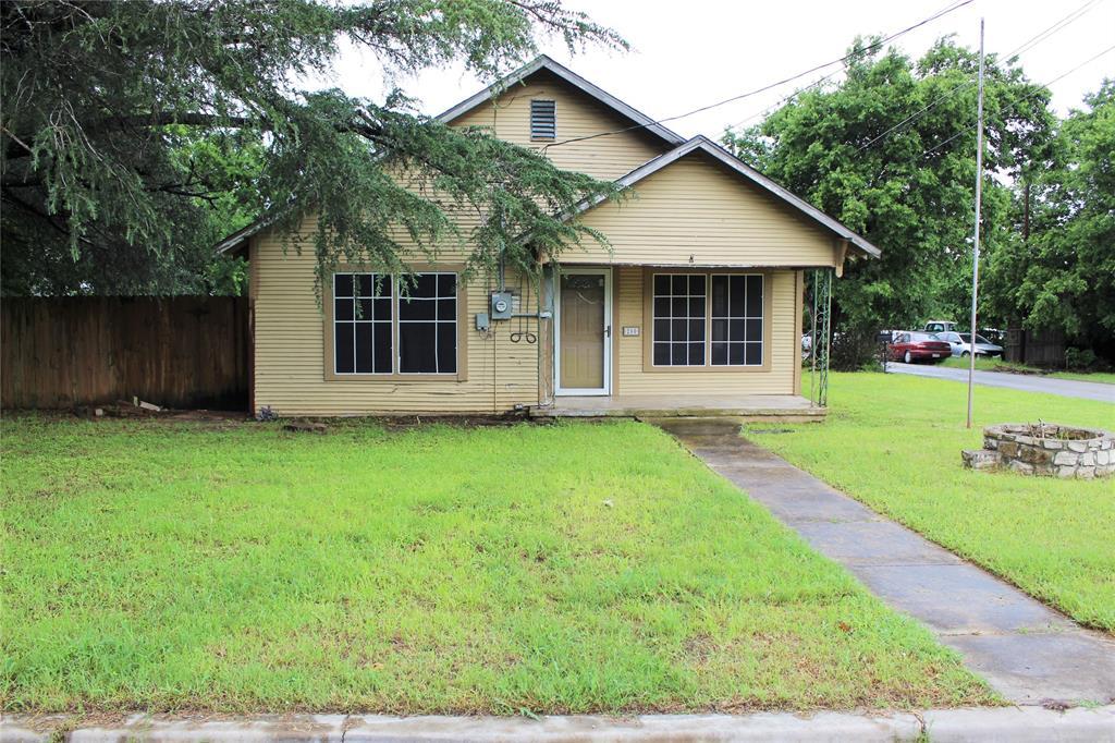 200 Lennox  Street, Stephenville, Texas 76401 - acquisto real estate best allen realtor kim miller hunters creek expert