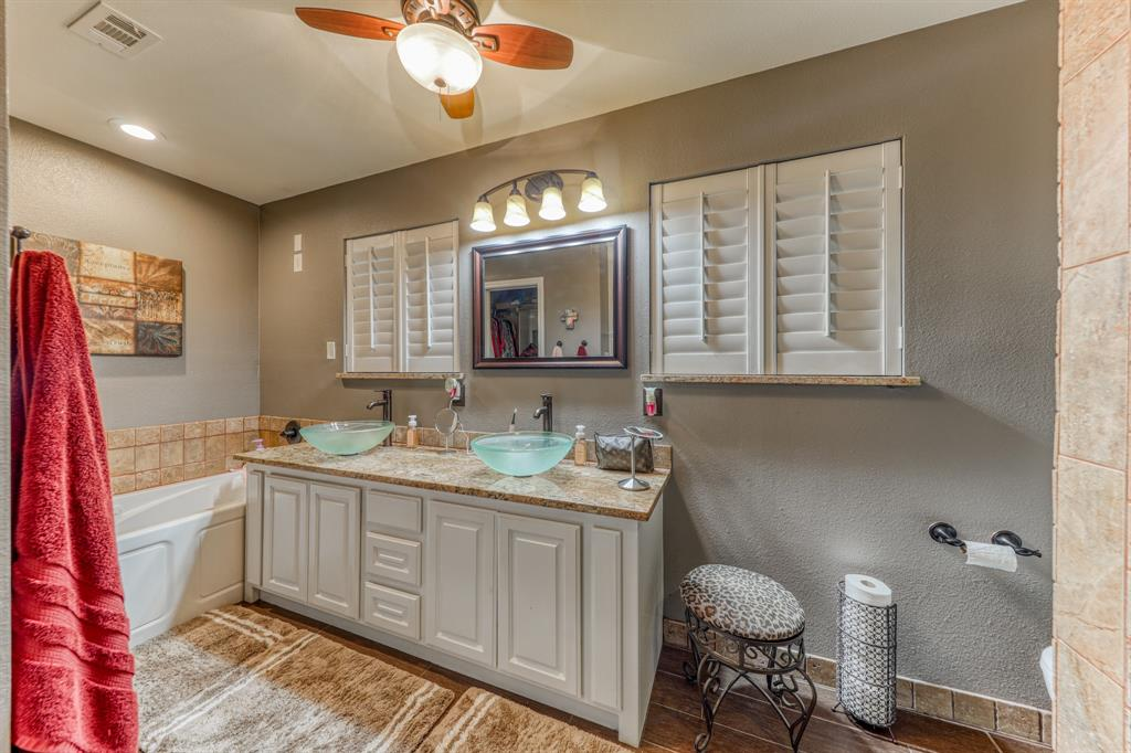 807 Hilltop  Drive, Weatherford, Texas 76086 - acquisto real estate best investor home specialist mike shepherd relocation expert
