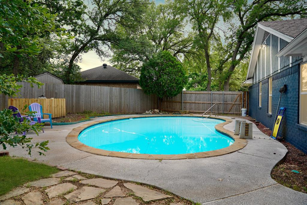 7312 Forrest  Court, North Richland Hills, Texas 76182 - acquisto real estate best frisco real estate agent amy gasperini panther creek realtor