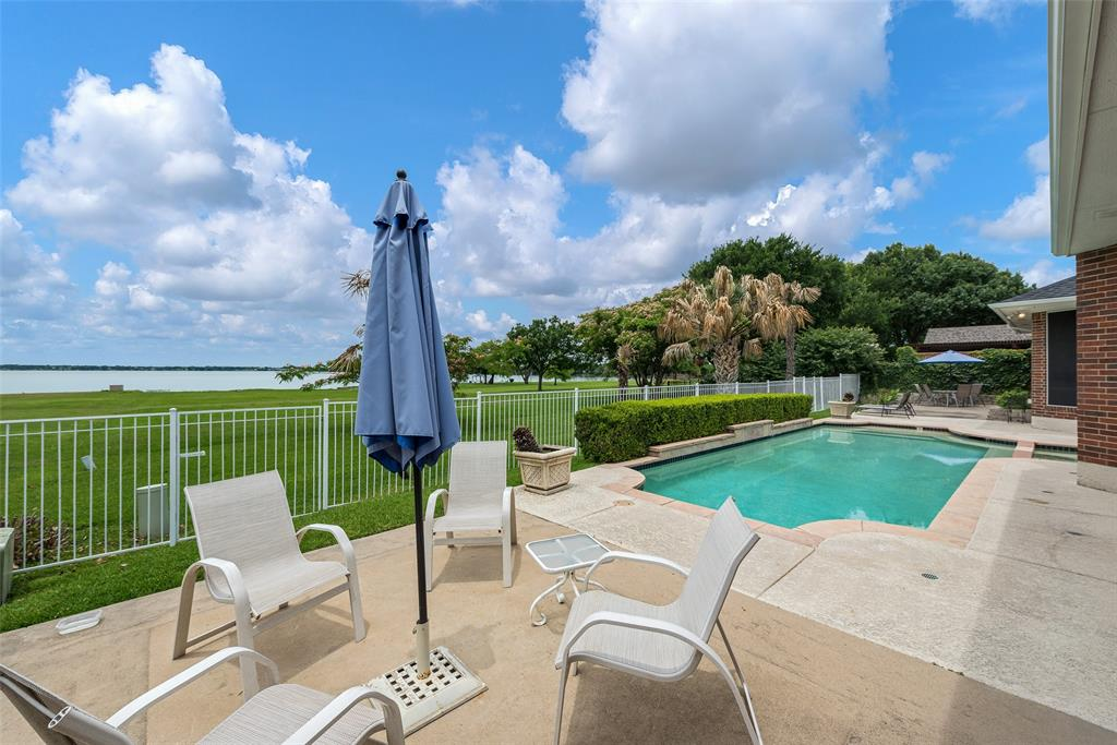 303 Stonebridge  Drive, Rockwall, Texas 75087 - acquisto real estate best plano real estate agent mike shepherd