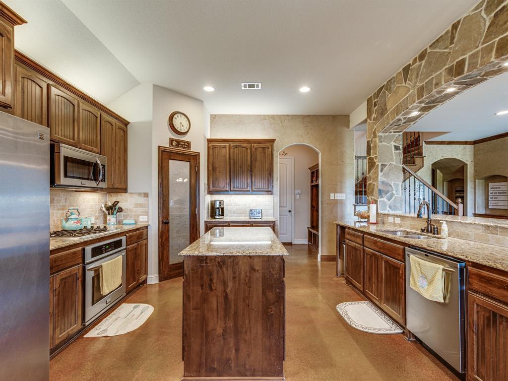 825 Broadhead  Road, Waxahachie, Texas 75165 - acquisto real estate best highland park realtor amy gasperini fast real estate service