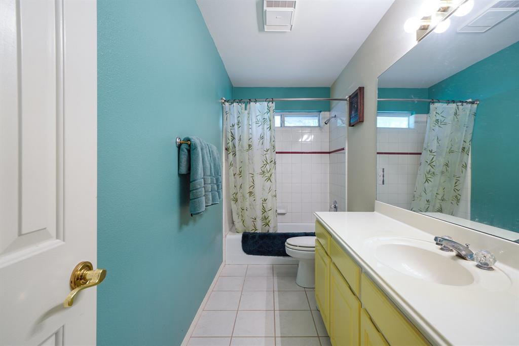 201 Chaparral  Drive, Granbury, Texas 76049 - acquisto real estate best photo company frisco 3d listings