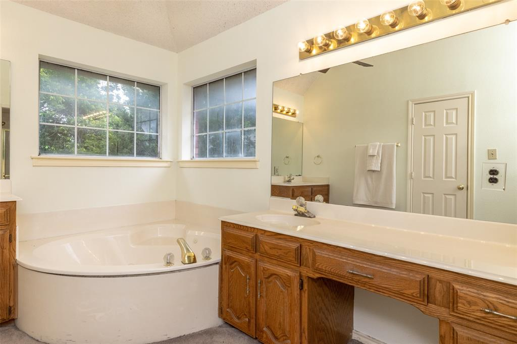 3104 Willow Creek  Way, Bedford, Texas 76021 - acquisto real estate best listing photos hannah ewing mckinney real estate expert