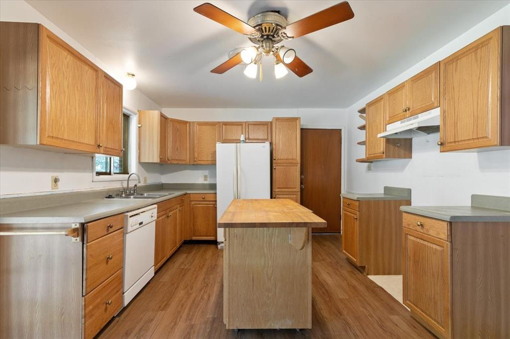 1410 Nugent  Street, Bowie, Texas 76230 - acquisto real estate best celina realtor logan lawrence best dressed realtor