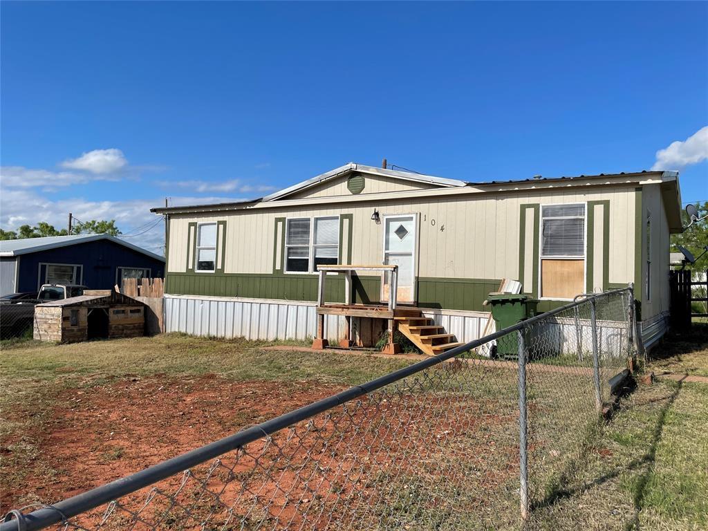 104 Seminole  Street, Tye, Texas 79563 - Acquisto Real Estate best frisco realtor Amy Gasperini 1031 exchange expert