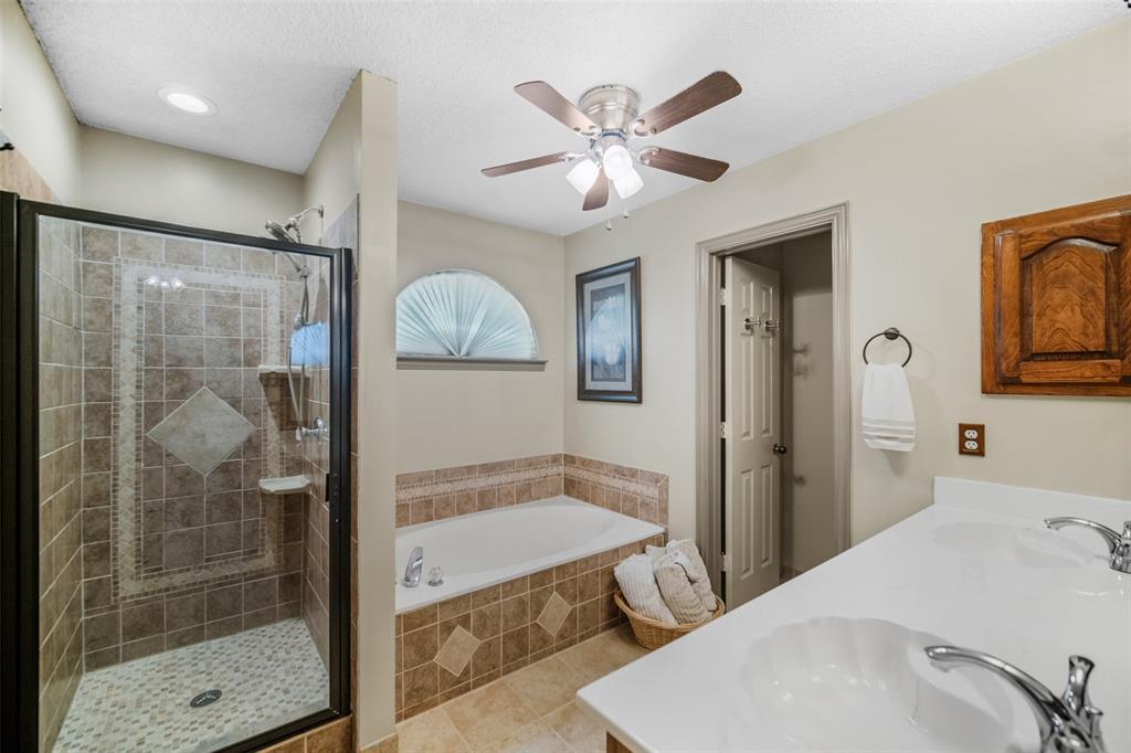 7914 Wayne  Place, Rowlett, Texas 75088 - acquisto real estate best realtor foreclosure real estate mike shepeherd walnut grove realtor