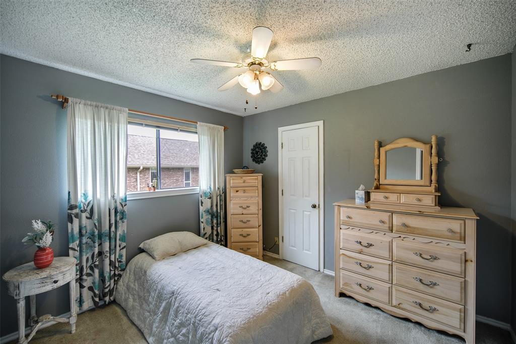 210 Mesa  Drive, Sunnyvale, Texas 75182 - acquisto real estate best realtor foreclosure real estate mike shepeherd walnut grove realtor