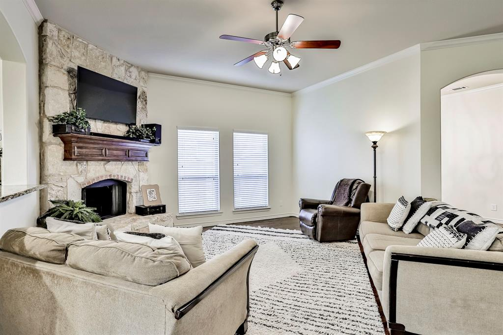 1412 Mesa Flats  Drive, Fort Worth, Texas 76052 - acquisto real estate best real estate company to work for
