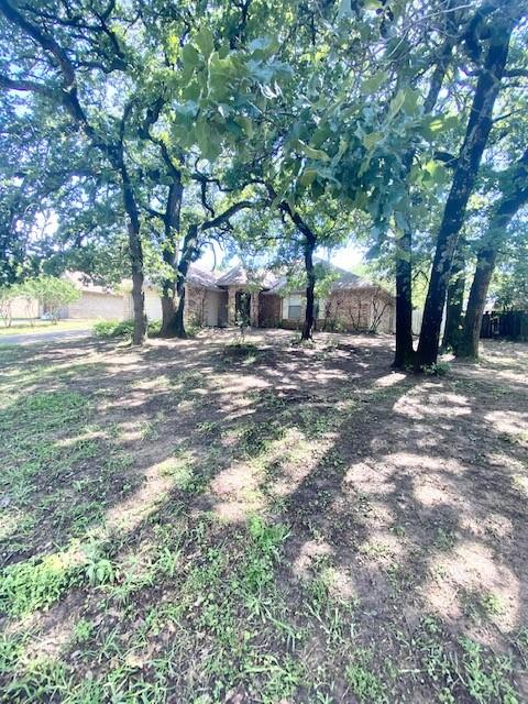 703 Timberoaks  Drive, Azle, Texas 76020 - Acquisto Real Estate best plano realtor mike Shepherd home owners association expert