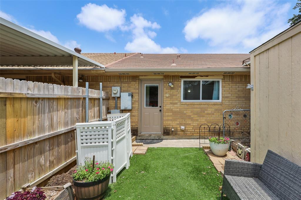 25 Mountain Creek  Court, Grand Prairie, Texas 75052 - acquisto real estate best prosper realtor susan cancemi windfarms realtor