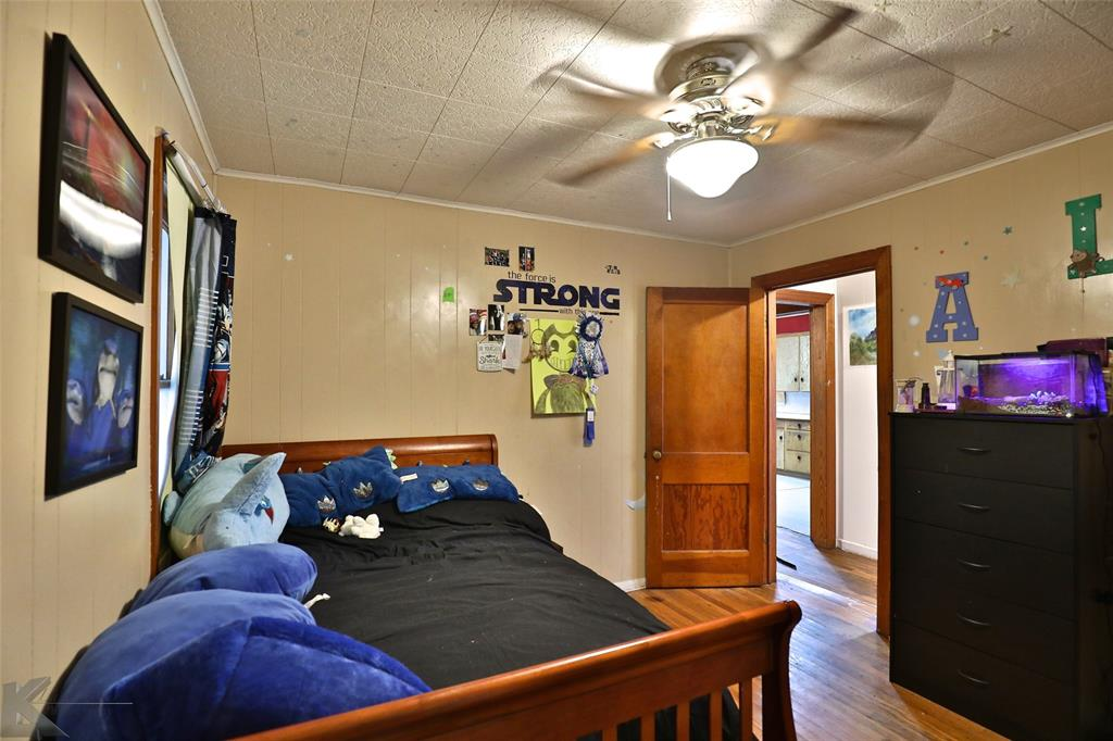 813 Orient  Street, Stamford, Texas 79553 - acquisto real estate best real estate company to work for