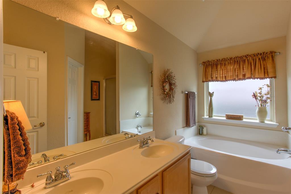 509 Kriston  Drive, Azle, Texas 76020 - acquisto real estate best realtor foreclosure real estate mike shepeherd walnut grove realtor