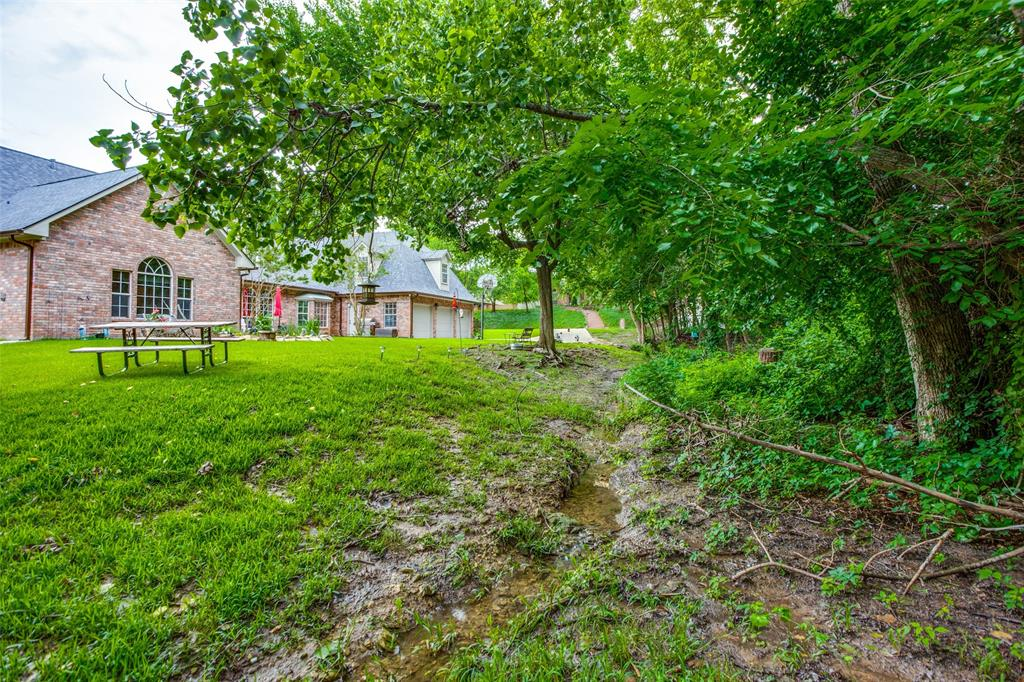 204 Laurel Creek  Drive, Sherman, Texas 75092 - acquisto real estate best negotiating realtor linda miller declutter realtor