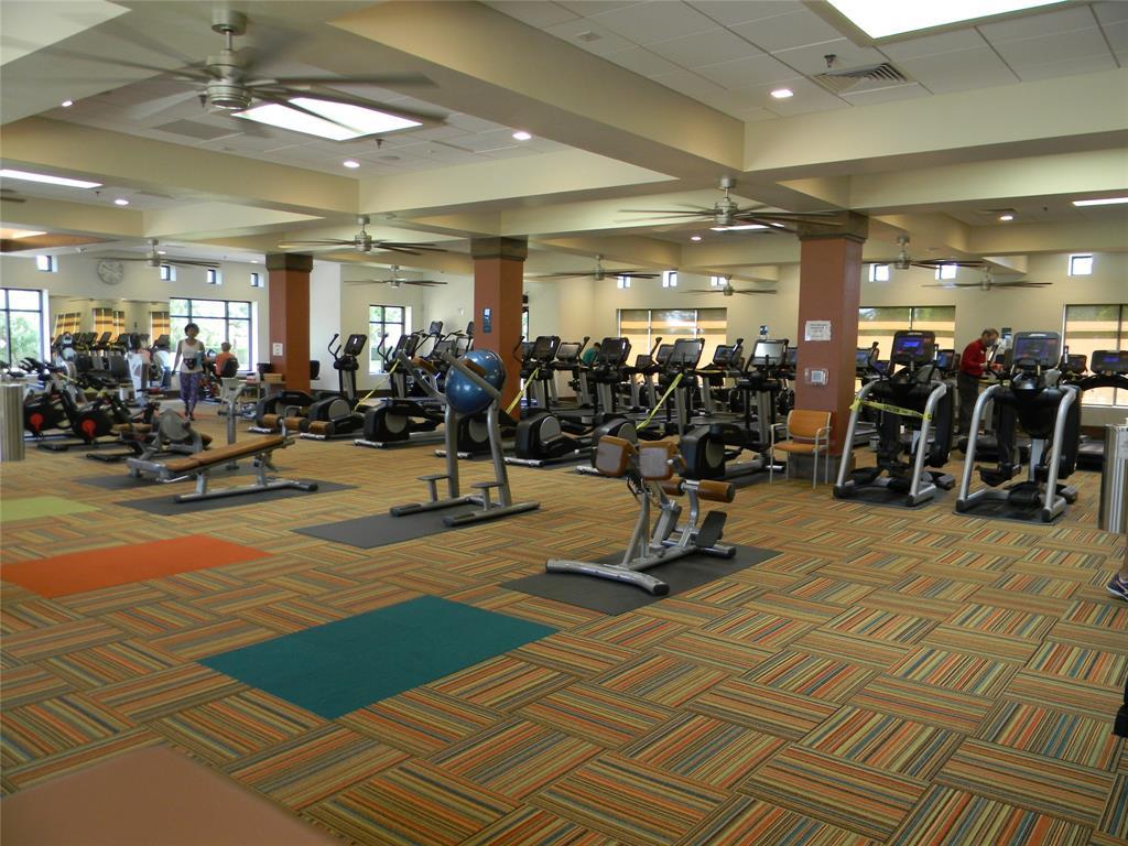 8917 Crestview  Drive, Denton, Texas 76207 - acquisto real estate best park cities realtor kim miller best staging agent