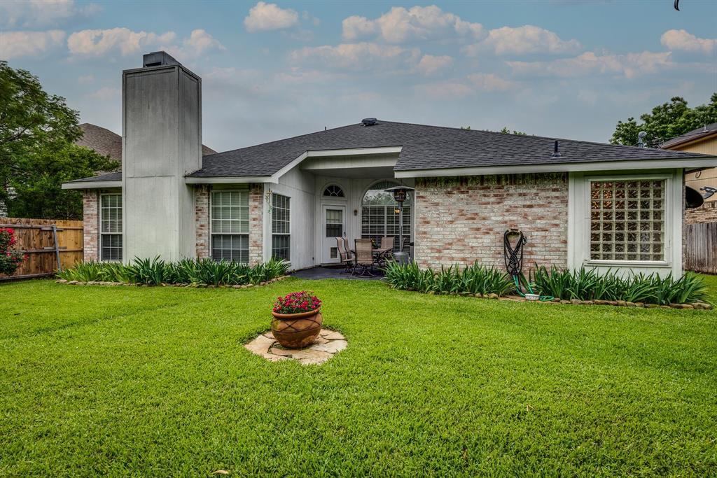 2205 Villanova  Street, Arlington, Texas 76018 - acquisto real estate best listing agent in the nation shana acquisto estate realtor