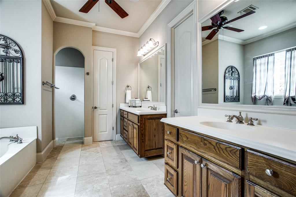 5902 St Ives  Court, Arlington, Texas 76017 - acquisto real estate best photos for luxury listings amy gasperini quick sale real estate