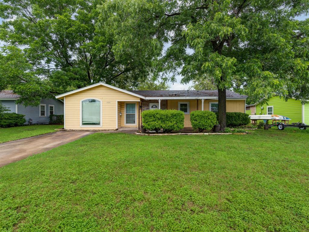 1920 Hemlock  Drive, Haltom City, Texas 76117 - Acquisto Real Estate best frisco realtor Amy Gasperini 1031 exchange expert