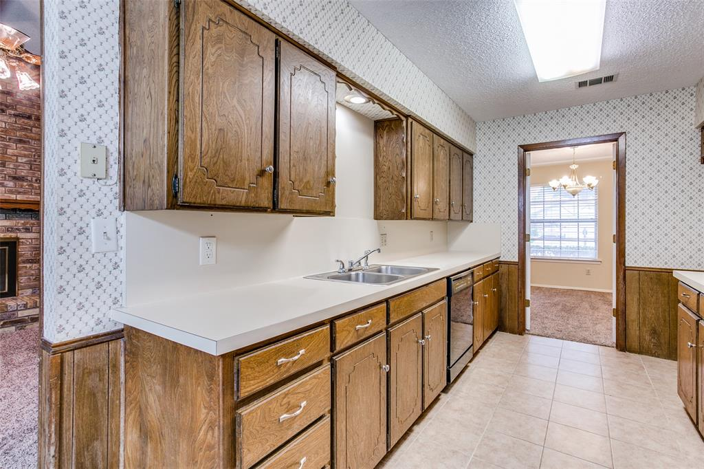 8237 Pearl  Street, North Richland Hills, Texas 76180 - acquisto real estate best photos for luxury listings amy gasperini quick sale real estate