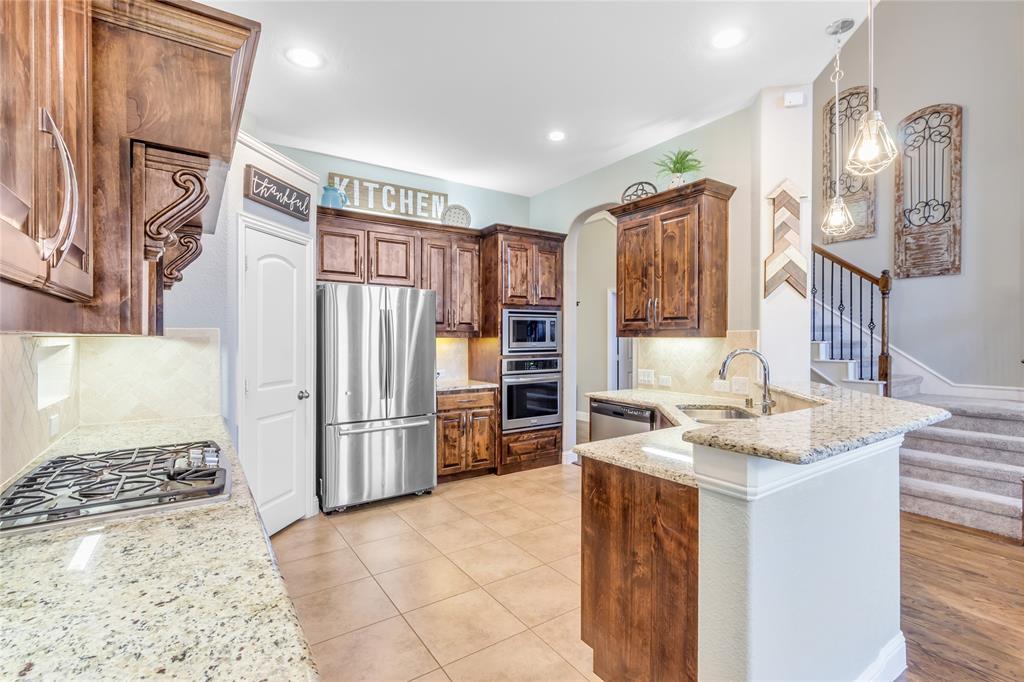 2425 Kingsgate  Drive, Little Elm, Texas 75068 - acquisto real estate best highland park realtor amy gasperini fast real estate service
