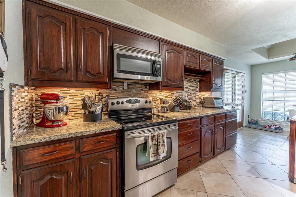 1906 Dover  Drive, Rowlett, Texas 75088 - acquisto real estate best new home sales realtor linda miller executor real estate