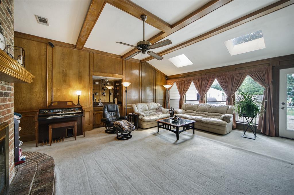 210 Mesa  Drive, Sunnyvale, Texas 75182 - acquisto real estate best celina realtor logan lawrence best dressed realtor