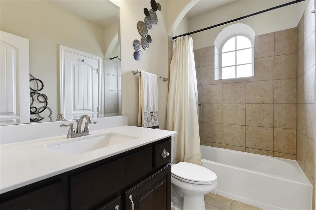 2670 Venice  Drive, Grand Prairie, Texas 75054 - acquisto real estate best listing agent in the nation shana acquisto estate realtor