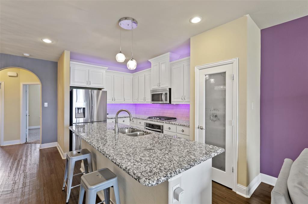 2670 Venice  Drive, Grand Prairie, Texas 75054 - acquisto real estate best allen realtor kim miller hunters creek expert