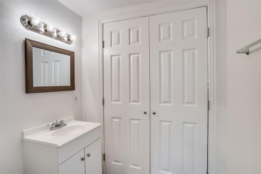 4018 Brundrette  Street, Dallas, Texas 75212 - acquisto real estate best listing listing agent in texas shana acquisto rich person realtor