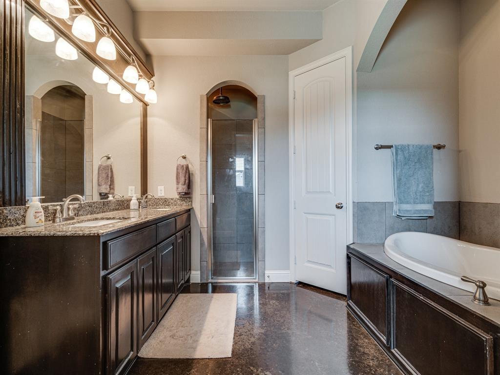825 Broadhead  Road, Waxahachie, Texas 75165 - acquisto real estate best realtor dallas texas linda miller agent for cultural buyers