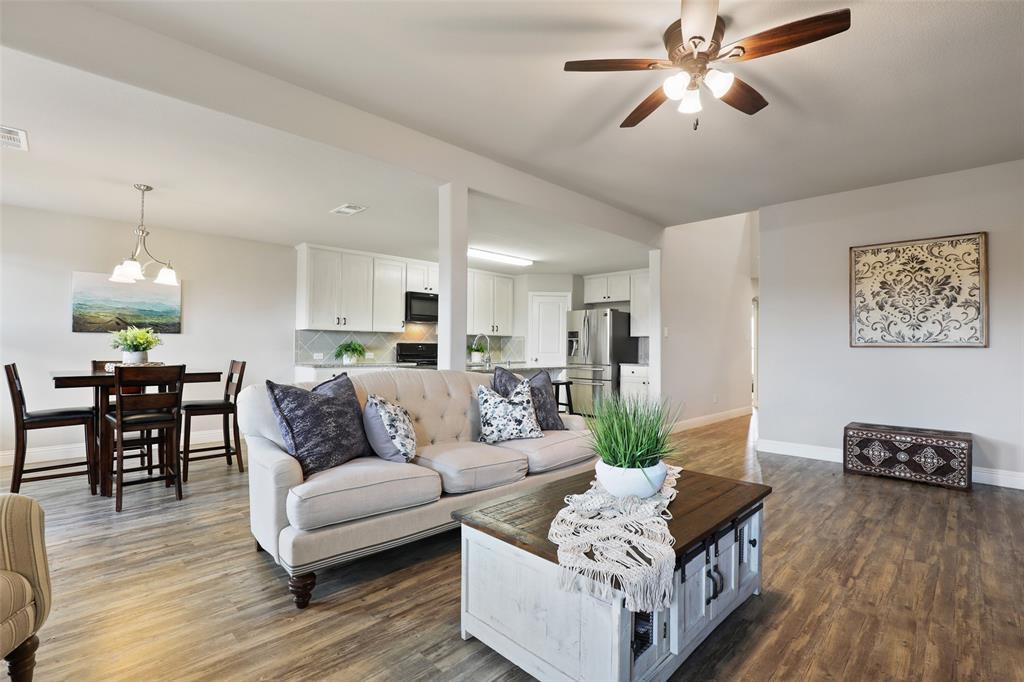 3012 Bella Lago  Drive, Fort Worth, Texas 76177 - acquisto real estate best prosper realtor susan cancemi windfarms realtor