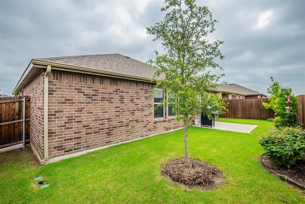 1705 Princeton  Avenue, Farmersville, Texas 75442 - acquisto real estate best allen realtor kim miller hunters creek expert