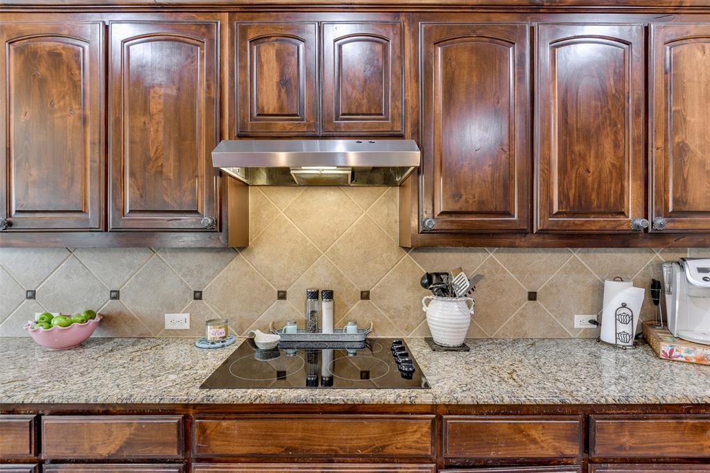 337 Canadian  Lane, Burleson, Texas 76028 - acquisto real estate best new home sales realtor linda miller executor real estate