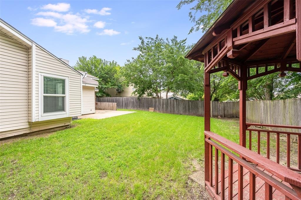 1025 Hills  Terrace, Saginaw, Texas 76179 - acquisto real estate best realtor dallas texas linda miller agent for cultural buyers