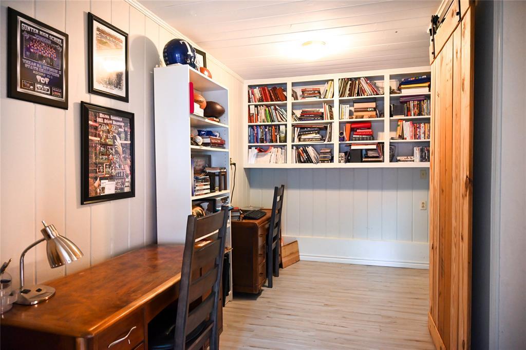 136 Umphress  Street, Van Alstyne, Texas 75495 - acquisto real estate best photos for luxury listings amy gasperini quick sale real estate