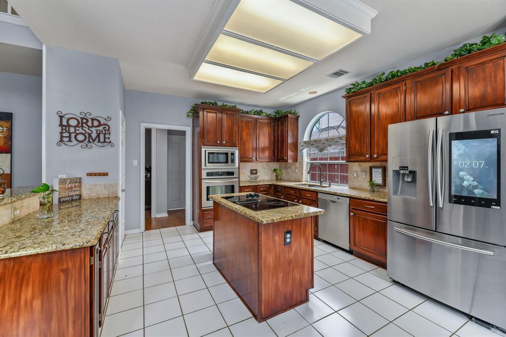2729 Crepe Myrtle  Drive, Flower Mound, Texas 75028 - acquisto real estate best new home sales realtor linda miller executor real estate