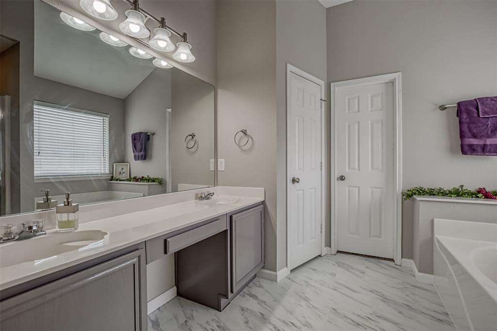 1620 Sandalwood  Drive, Grand Prairie, Texas 75052 - acquisto real estate best celina realtor logan lawrence best dressed realtor