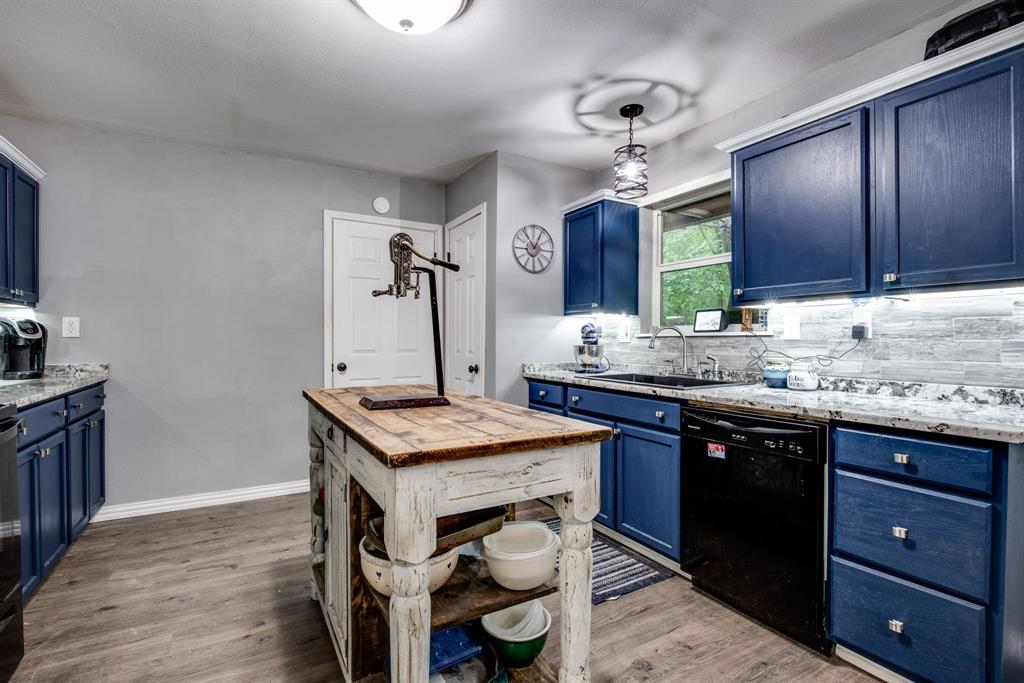 413 Colorado  Street, Sherman, Texas 75090 - acquisto real estate best real estate company to work for