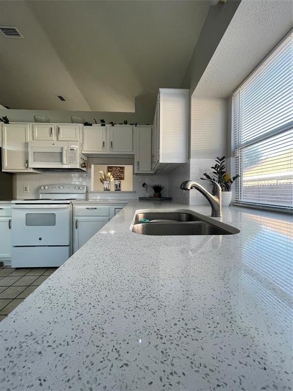 1205 Calvert  Drive, Cedar Hill, Texas 75104 - acquisto real estate best celina realtor logan lawrence best dressed realtor