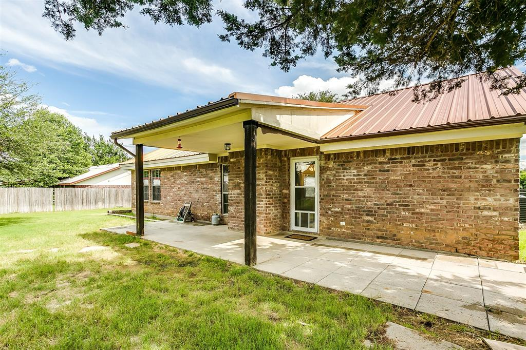 1107 6th  Street, Springtown, Texas 76082 - acquisto real estate agent of the year mike shepherd