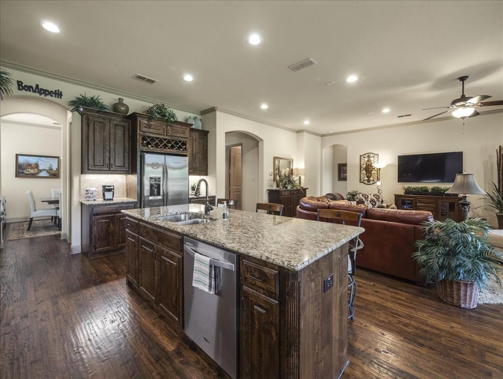 814 Winterwood  Court, Garland, Texas 75044 - acquisto real estate best prosper realtor susan cancemi windfarms realtor
