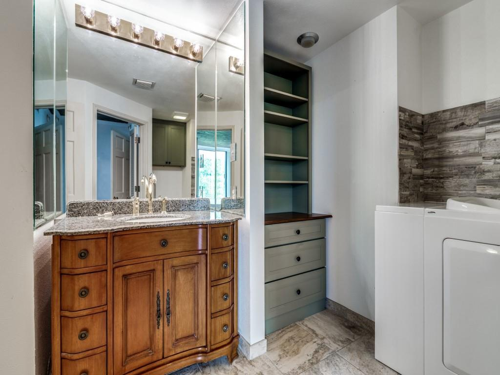 2100 Reflection Bay  Drive, Arlington, Texas 76013 - acquisto real estate best realtor foreclosure real estate mike shepeherd walnut grove realtor