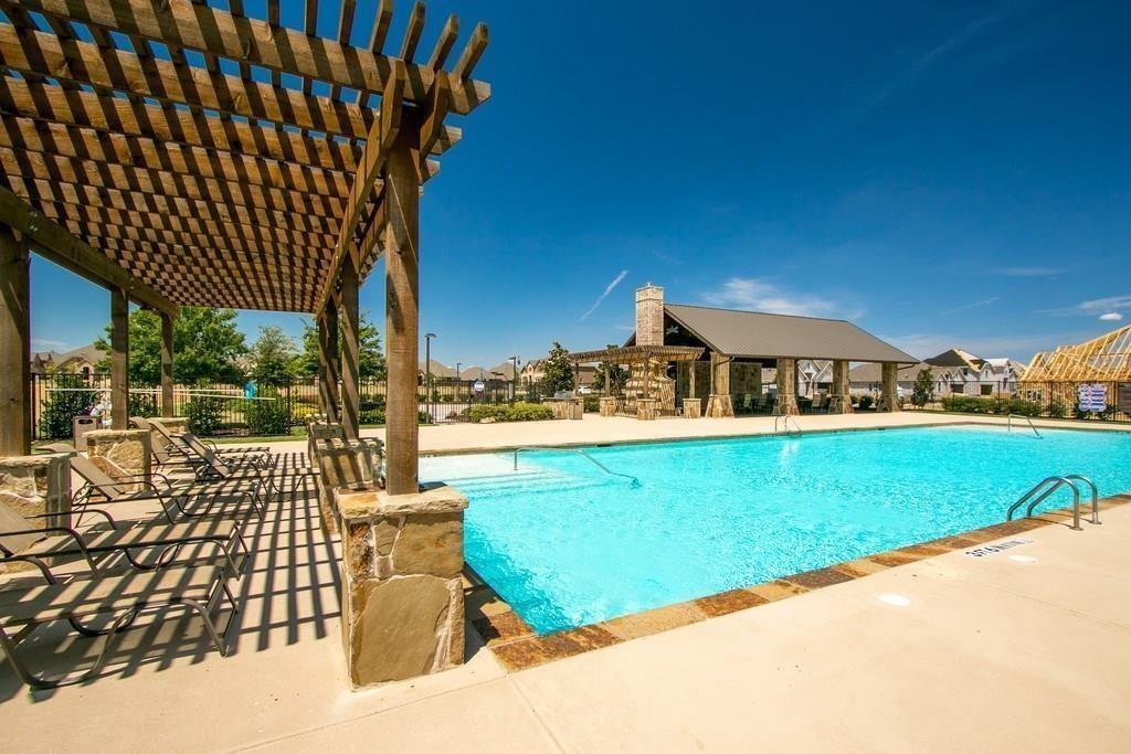 332 Prairie Ridge  Lane, Lewisville, Texas 75056 - acquisto real estate best park cities realtor kim miller best staging agent