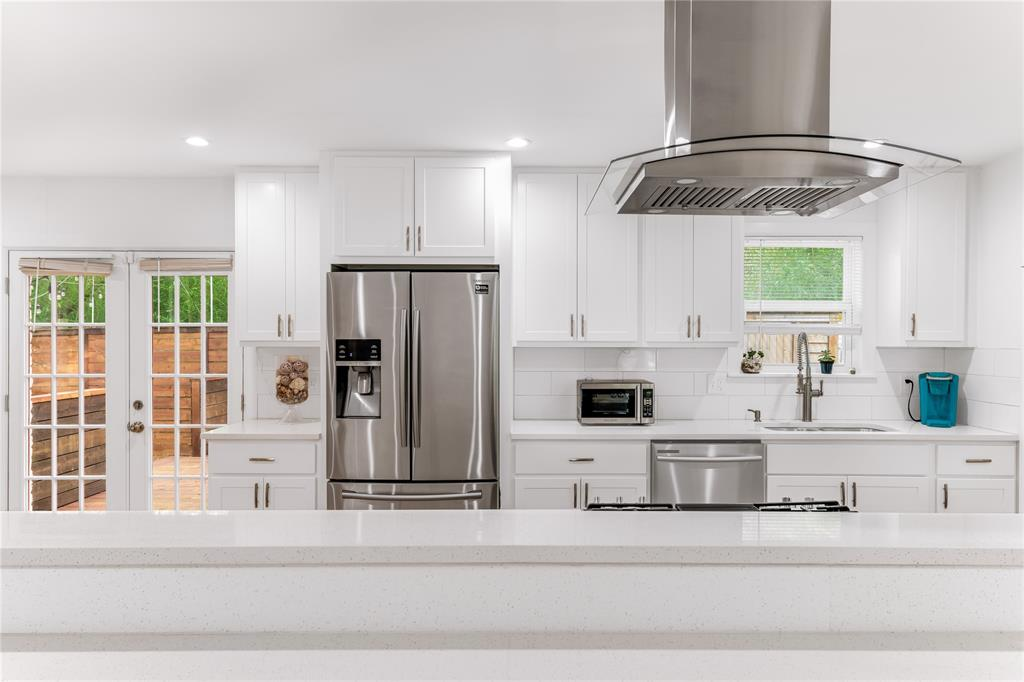 3008 Coombs Creek  Drive, Dallas, Texas 75233 - acquisto real estate best highland park realtor amy gasperini fast real estate service
