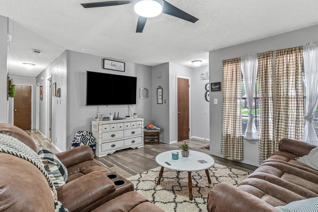 802 Lindy  Drive, Grand Saline, Texas 75140 - acquisto real estate best real estate company in frisco texas real estate showings