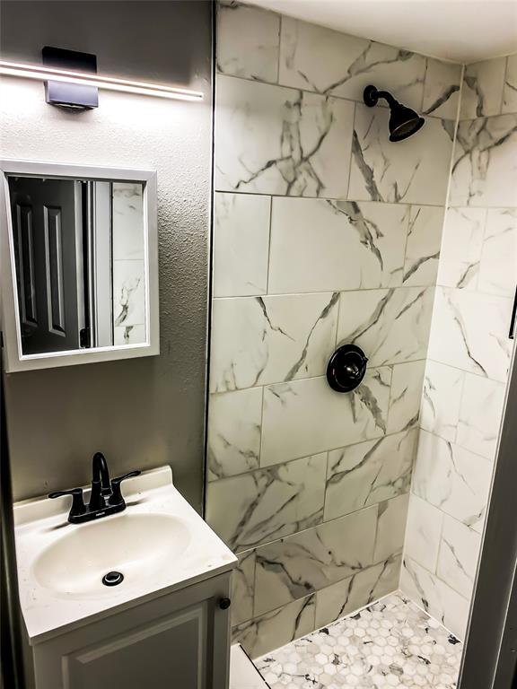 805 Alamo  Road, Rockwall, Texas 75087 - acquisto real estate best new home sales realtor linda miller executor real estate