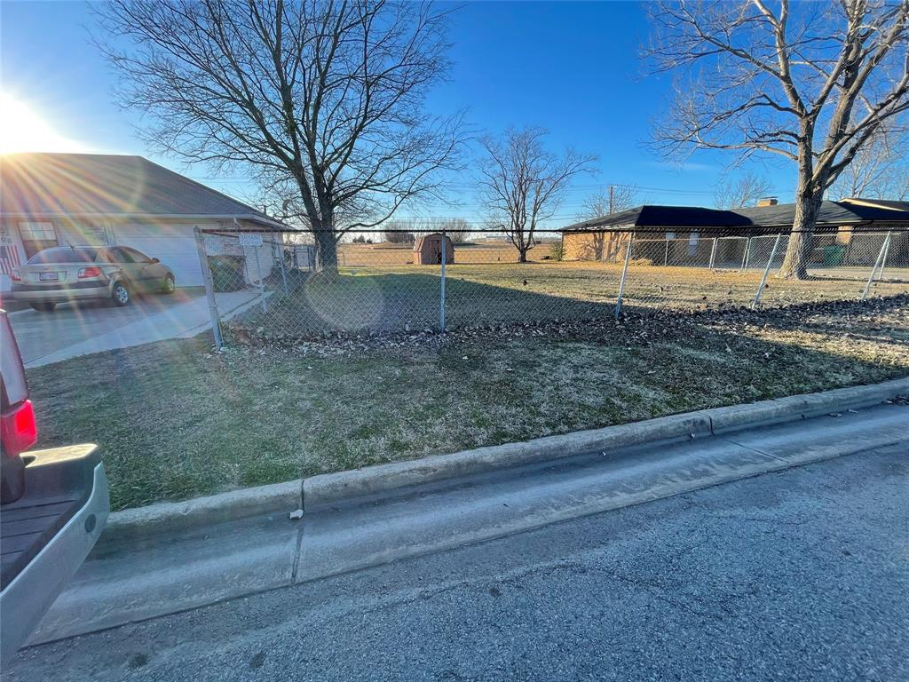 6704 Sayle  Street, Greenville, Texas 75402 - acquisto real estate best highland park realtor amy gasperini fast real estate service