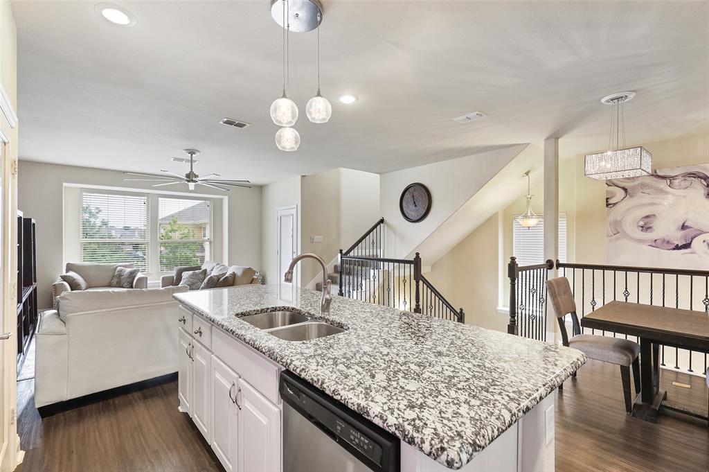 2670 Venice  Drive, Grand Prairie, Texas 75054 - acquisto real estate best prosper realtor susan cancemi windfarms realtor